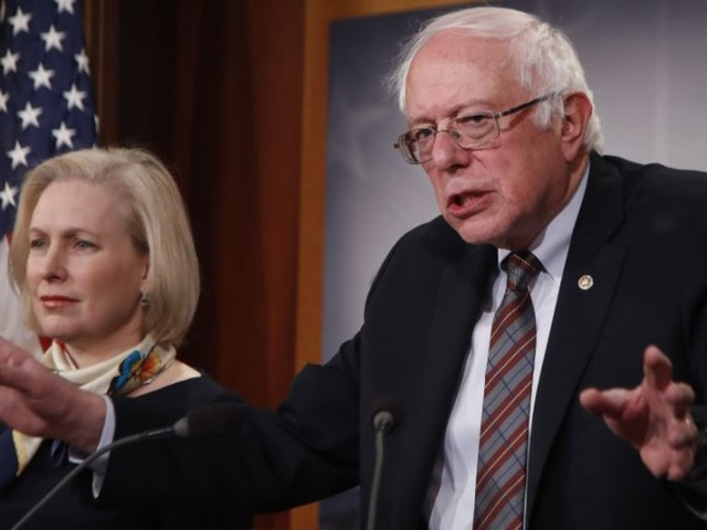 """College Students Rejoice! Bernie Sanders Introduces Long-Awaited """"Medicare For All"""" Bill"""