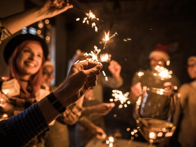 On a Budget This Holiday Season? Throw a Rockin' Party on the Cheap
