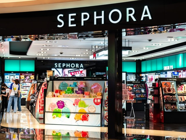 Sephora's Racial Bias In Retail Report Offers A Stark Look At BIPOC Shoppers' Experiences