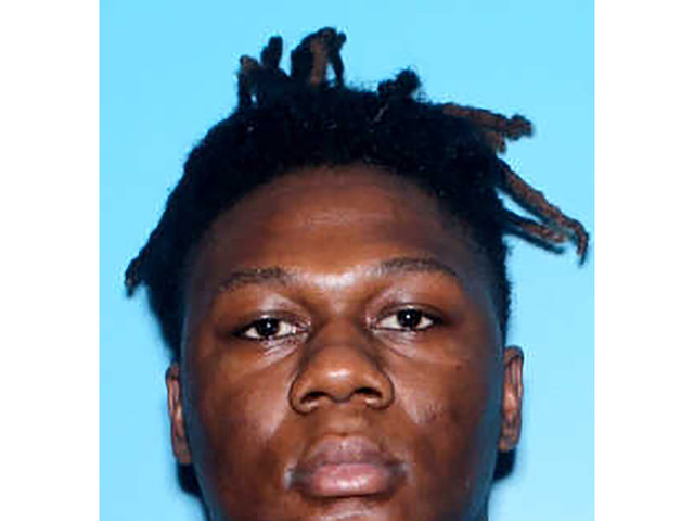Police: 2nd man wanted in Alabama HS football game shooting
