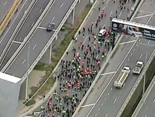 """F**K The Jab, Long Live Australia"" - 20,000 Shut Down Melbourne Highway In Massive Lockdown Protest"