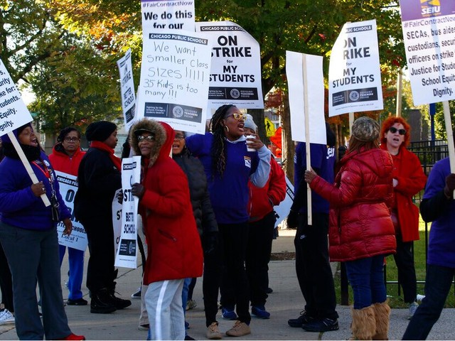 Chicago teachers go on strike, canceling class for 300,000 students