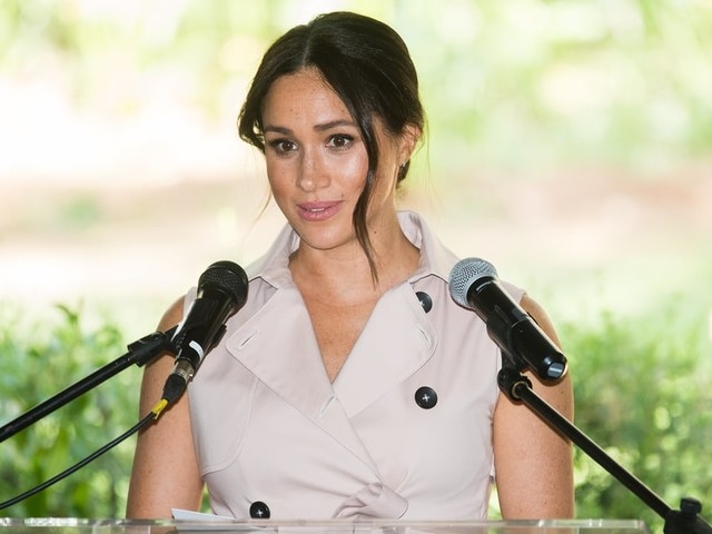 "Meghan Markle Admits Her Friends Warned That ""the British Tabloids Will Destroy Your Life"""
