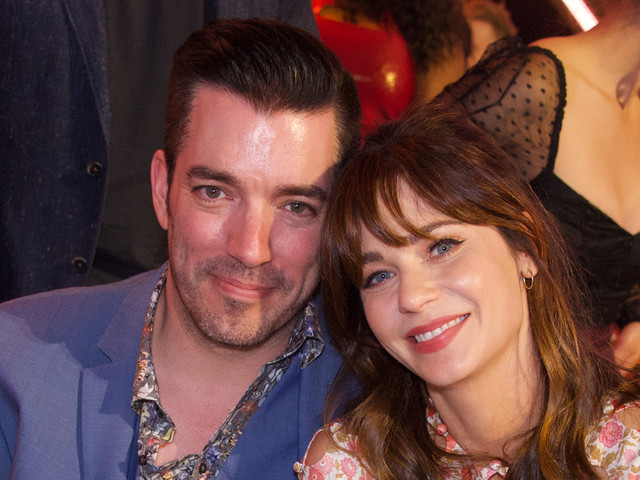 Zooey Deschanel & Jonathan Scott Post Flirty Comments About Each Other!