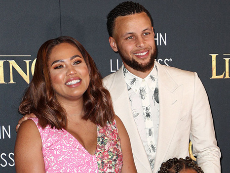 Ayesha Curry Cozies Up With Her Husband Steph & Their 3 Children In Adorable New Snap