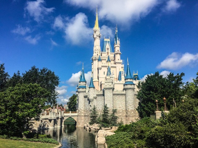 Walt Disney World Vacation Package & Room-Only Discounts Announced for Fall & Christmas Seasons