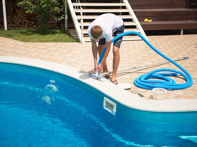 20 Reasons Not to Put in a Backyard Pool