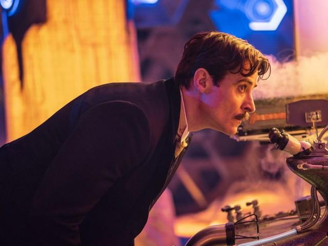 Nikola Tesla elevates an electric Doctor Who