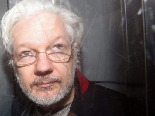Healthier Looking Julian Assange Filmed Briefly Emerging From Solitary Confinement