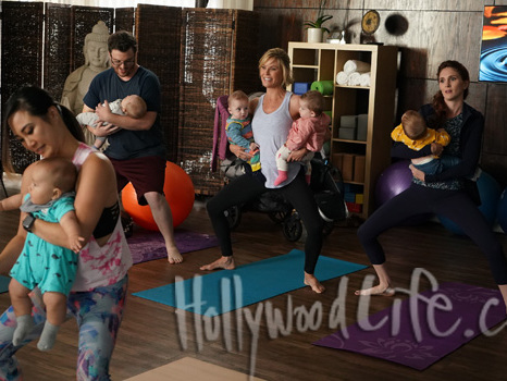 'Modern Family' Exclusive Photos: Claire Juggles The Twins At Yoga Class