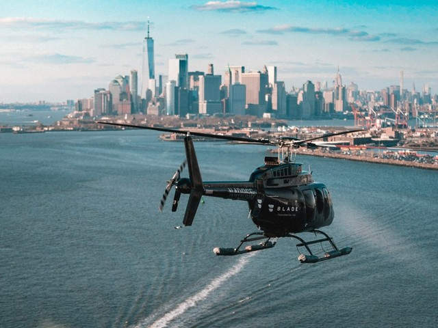 American Airlines will let super-rich passengers take private helicopters to avoid long lines