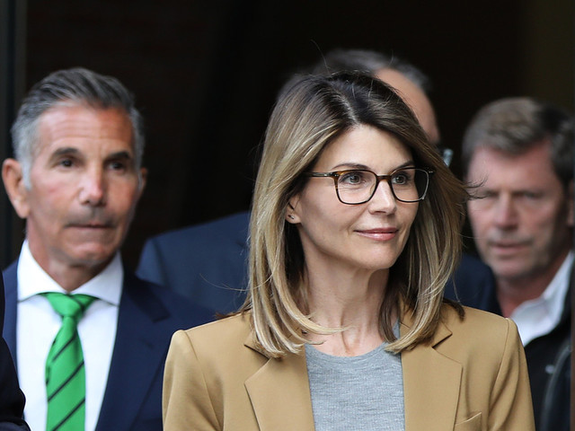 Lori Loughlin 'resolved' to avoid same fate as Felicity Huffman
