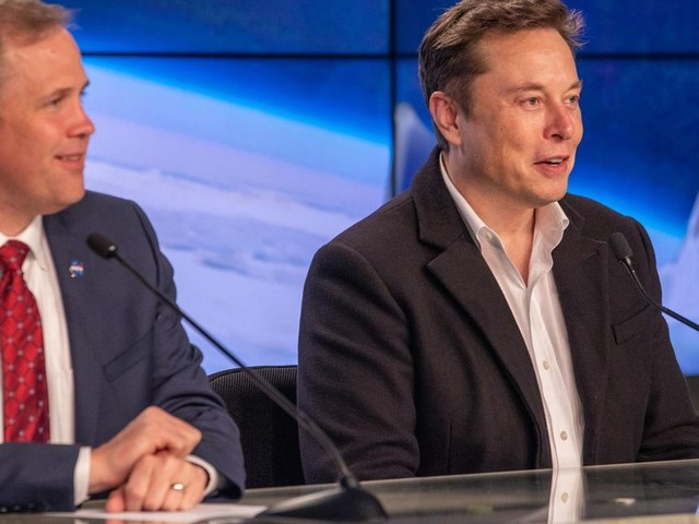 Elon Musk and NASA administrator claim SpaceX could fly its first crew in the first part of 2020