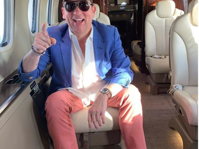 Tony Buzbee heads out on private plane, but hasn't officially conceded