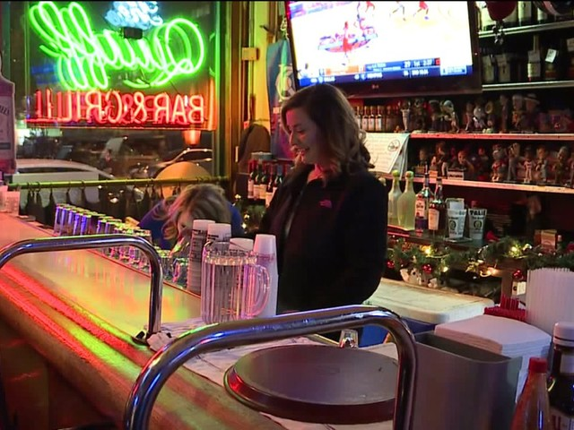 With bars busy on Thanksgiving Eve, police urge for sober rides