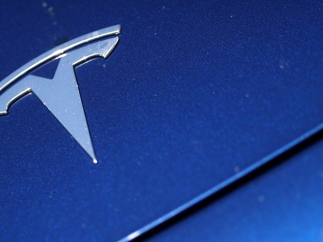 A fiery Tesla crash killed two people outside of Houston. Authorities say nobody was driving. (TSLA)