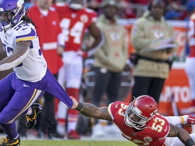 In Vikings' loss to Chiefs, Dalvin Cook had to run forward, backward and sideways for his yards