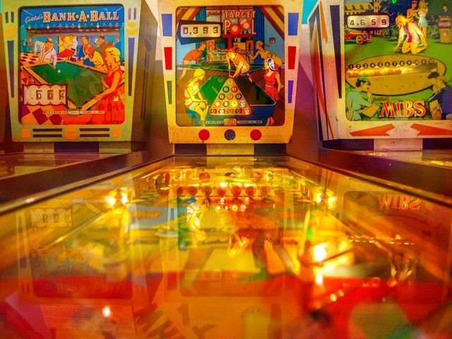 11 Classic Pinball Games That You'll Flip Over