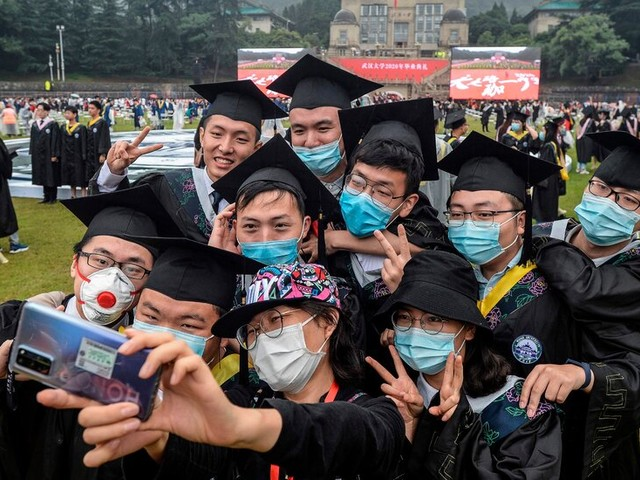 China Expands Grad Schools as the Young Seek Jobs