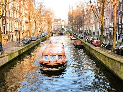 Amsterdam's canal boats are going electric too