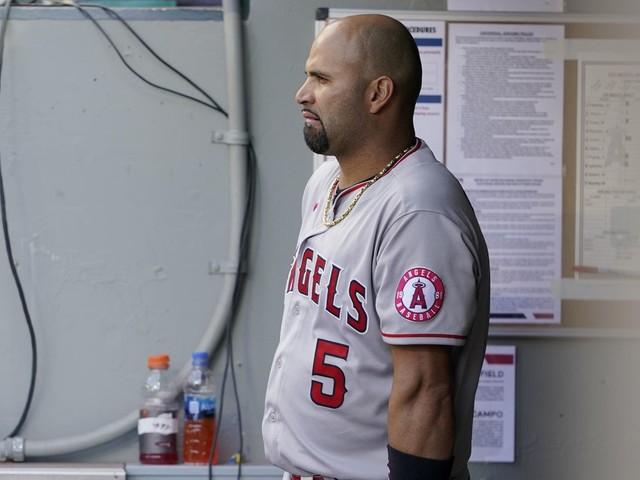 Los Angeles Dodgers sign Albert Pujols to major league deal