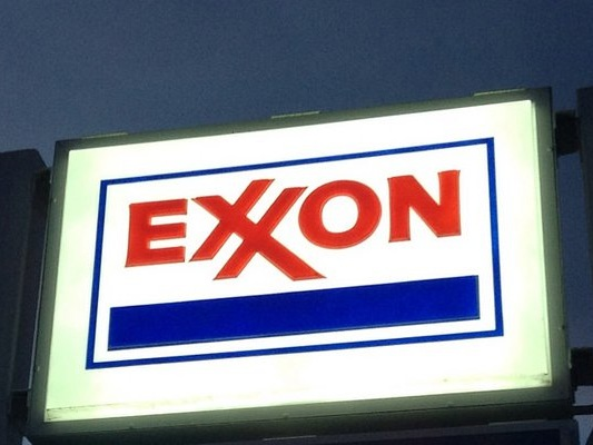 If You Like Exxon Mobil Corporation Stock, Here's How to Trade It