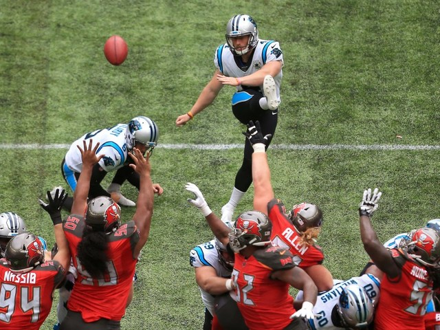Seldom-used rule leads to Panthers attempting 60-yard free kick for three points