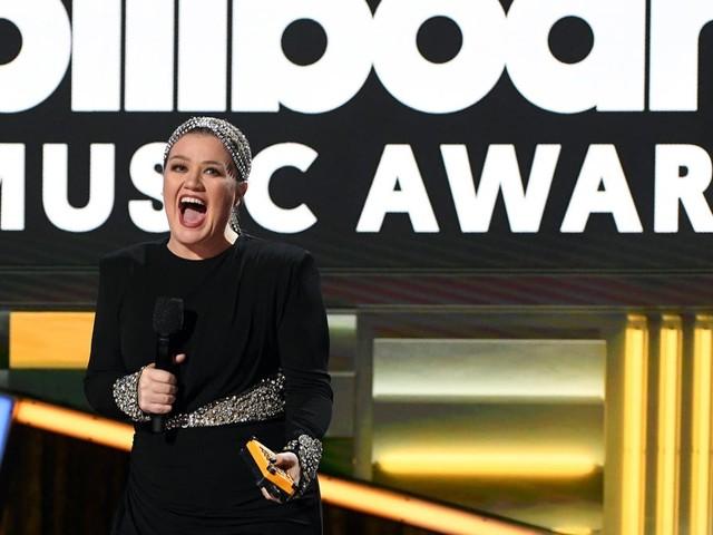 Sorry Ellen, Kelly Clarkson's taking your time slot on NBC