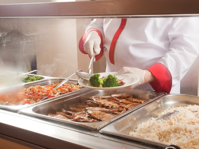 Campus dining halls plagued by worker shortages