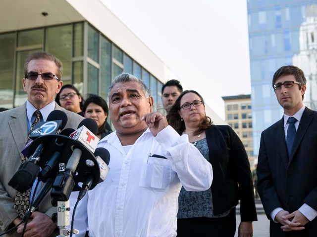 L.A. to spend up to $150,000 to settle street vendor lawsuit