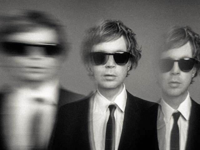 Beck Shares 'Saw Lightning' Single & Announces 'Hyperspace' Album