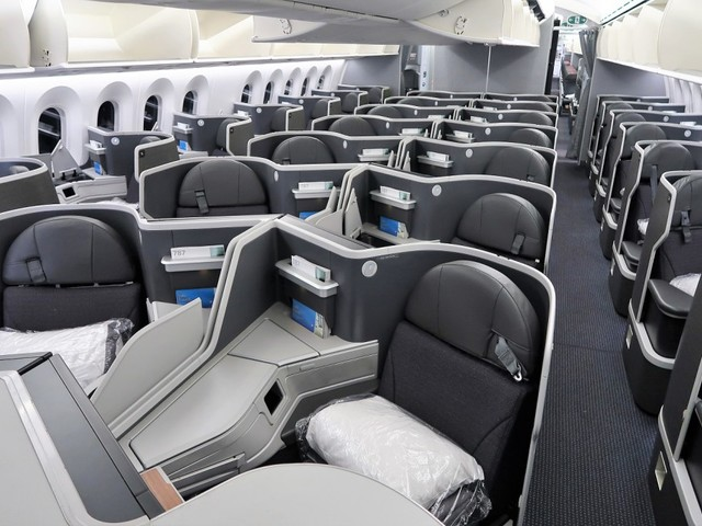 Your guide to American Airlines' international premium cabins: At the airport and in the air