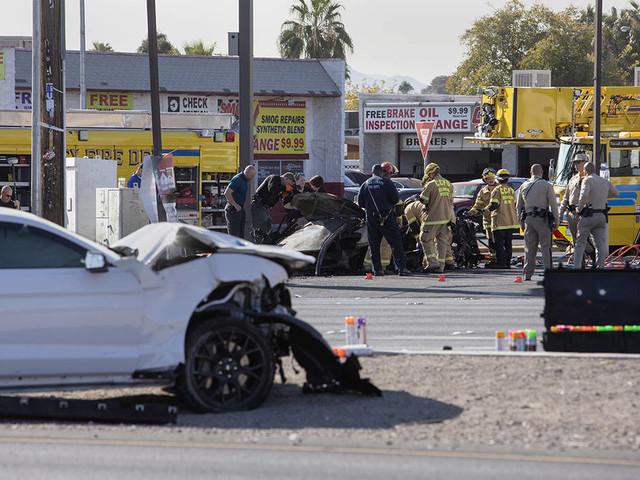 2 dead in suspected DUI crash in Las Vegas