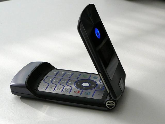 Motorola Razr May Return As A $1,500 Foldable Smartphone