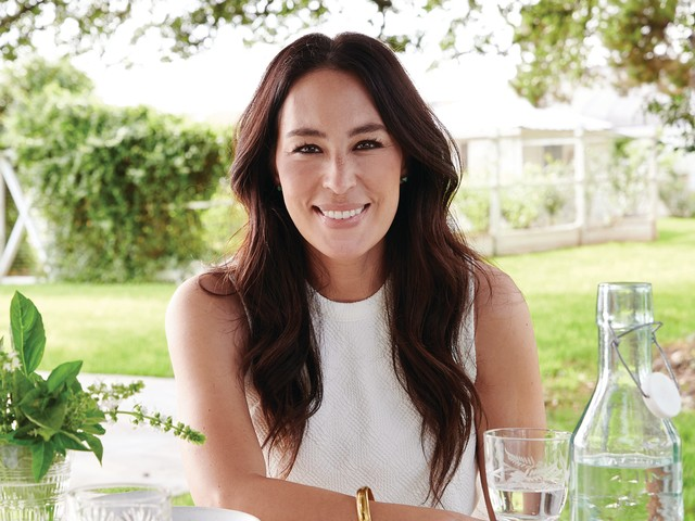 How Joanna Gaines finds her 'most comforting' moments amid pandemic around the dining table