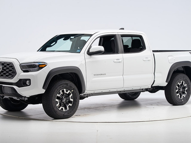 Toyota pickup earns safety award
