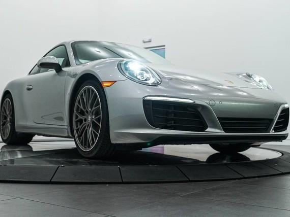 2018 Porsche 911--Carrera