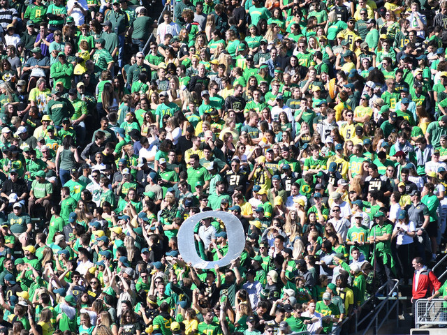 U of Oregon student government wants to stop payments to athletics