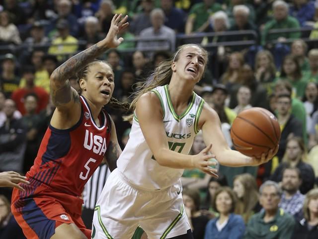 Sabrina Ionescu and No. 1 Oregon stun US women's national team