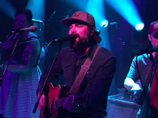 Andrew McConathy Joins Yonder Mountain String Band At Ardmore Music Hall