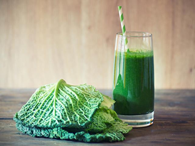 Kale and cilantro detox smoothie