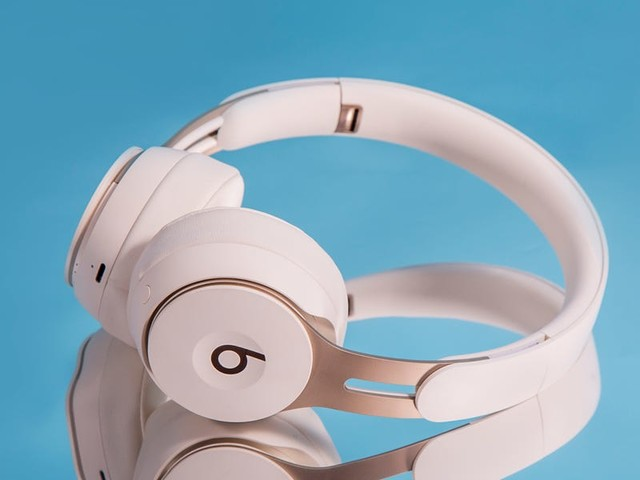 Apple may be working on a new pair of high-end headphones to rival Bose and Sennheiser — here's everything we know about them so far (AAPL)