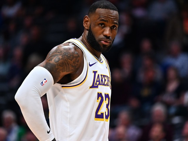 LeBron James responds to Jazz announcers' rant about his sideline celebration