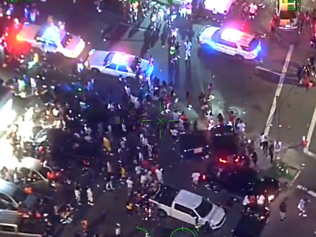 VIDEO: Tampa police officers 'ambushed' by hundreds of protesters, attacked with glass while trying to find a shooting victim