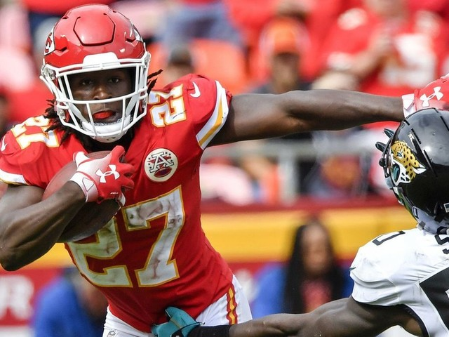 Kareem Hunt, seen on video kicking a woman, draws eight-game NFL suspension