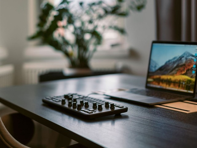 Lessons From Loupedeck on Making It in the Photo Industry