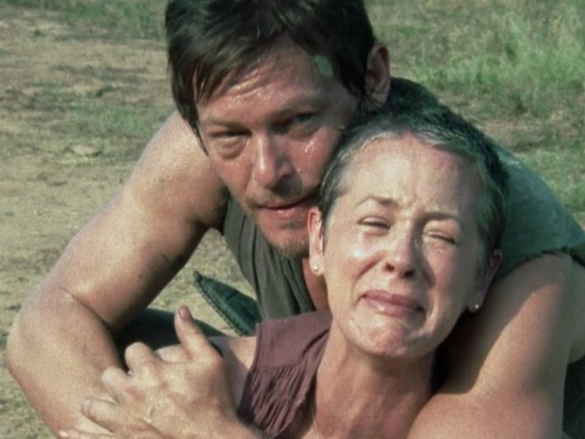 Sunday's episode of 'The Walking Dead' mirrored an iconic Carol and Daryl moment from season 2