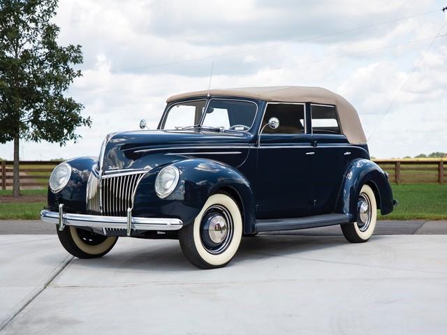 1941 Ford V-8--Super--DeLuxe