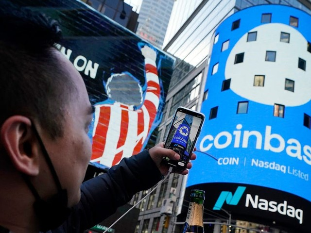 Coinbase is reporting earnings for the first time on Thursday. A bull explains why the stock could continue to scale proportional to the $2.5 trillion crypto market cap — and a bear breaks down why the stock may fall to $100 or less.