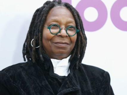 """Whoopi Goldberg Makes Surprise Return To """"The View"""" After Near-Death Experience Battling Pneumonia"""